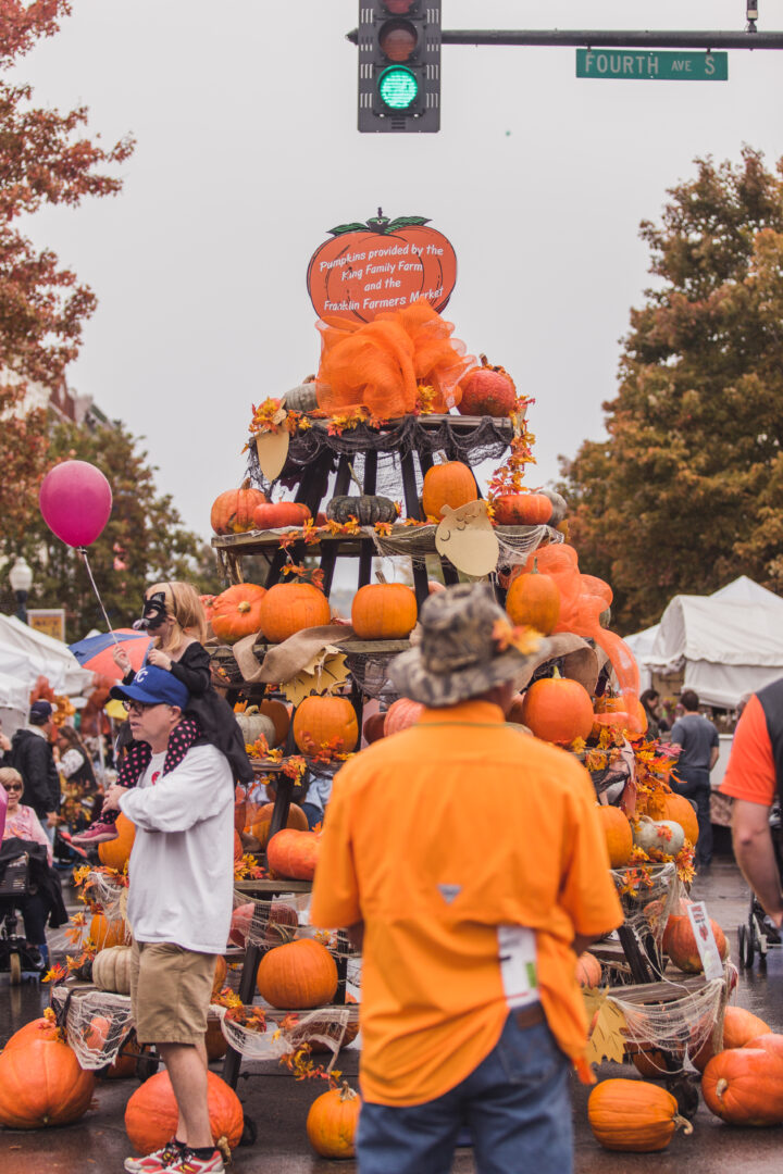 Pumpkin tree, historic downtown Franklin, Tennessee events and fun things to do with family this weekend.